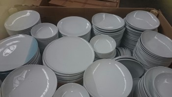 """B-Ware Porzellan """"Made in Germany"""" Palettenware / B-Grade hard porcelain"""
