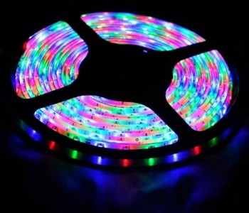 Colored LED strip RGB 4.5 m with adapter and remote control ST-013